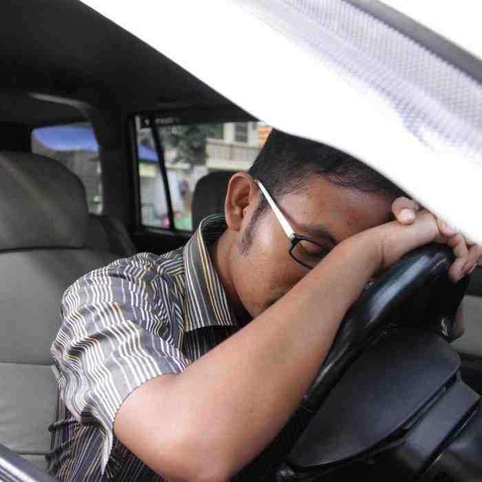 Suami Menyetir, Istri itu Sebaiknya Diam Jangan Rewel, Apalagi Bicara Seperti ini