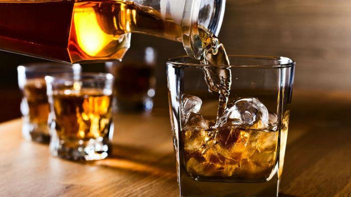 DPR Godok RUU Larangan Minum Alkohol, Peminum Terancam Dibui 2 Tahun-Denda 50 Juta