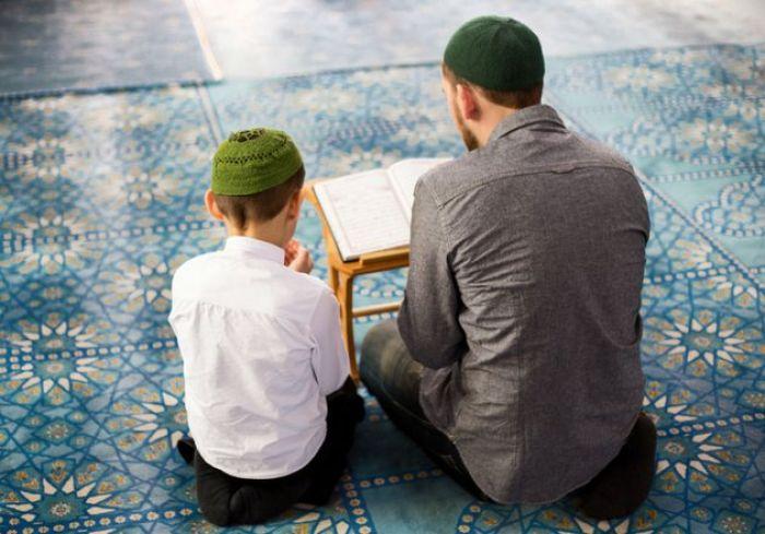 Orang Tua Perlu Sampaikan 7 Nasihat Luqman yang Diberikan untuk Anaknya
