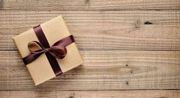 Pahala Saling Berbagi Hadiah dengan Teman dan Kerabat