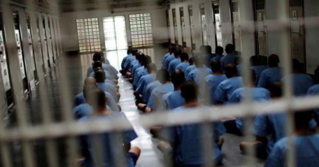 Masyaallah, 27 Napi UEA Resmi Jadi Muallaf karena Kebaikan Petugas Muslim