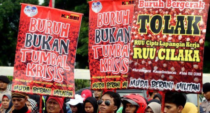 9 Kerugian Buruh Saat Omnibus Law UU 'Cilaka' (Cipta Lapangan Kerja) Diberlakukan