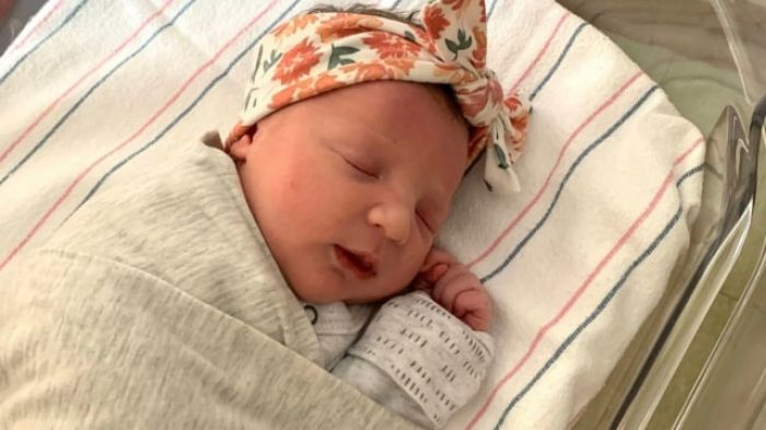 Bayi 'Tertua' Berhasil Terlahir ke Dunia, Usianya Hampir Sama dengan Ibunya