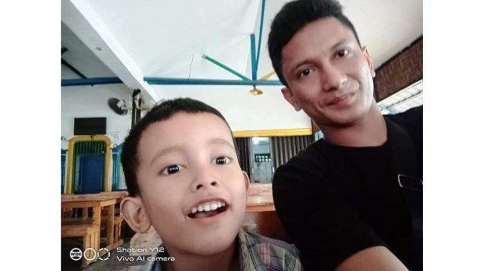 Ayah Kenang Sosok Rangga, 'Bangga, Dia Anak yang Patuh dan Sayang sama Ibunya'