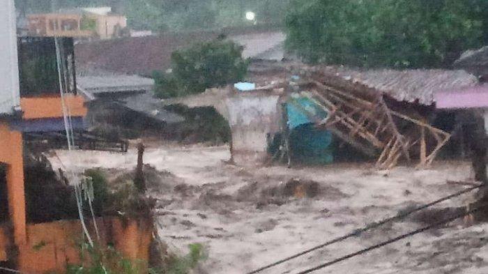 Detik-detik Banjir Bandang Sukabumi, 2 Orang dan 12 Rumah Hanyut