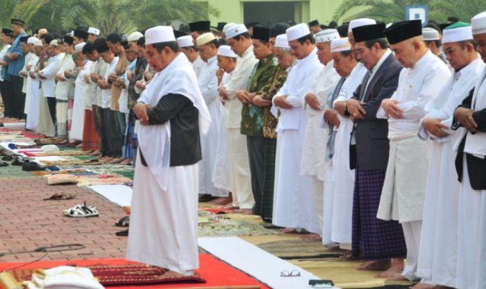 Boleh Sholat Id di Masjid atau Lapangan, Asalkan Penuhi Syarat dari MUI