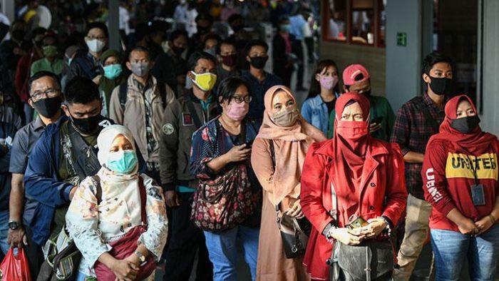 Larang Pakai Masker Scuba dan Buff di KRL, Karena Sama Saja Tak Pakai Masker