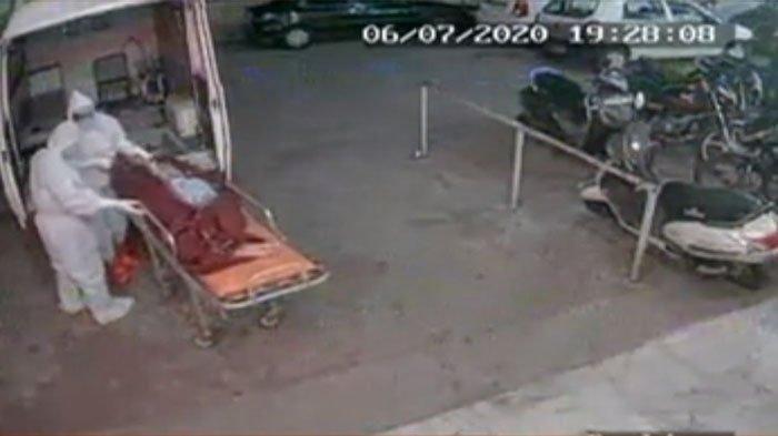 Keluarga Tidak Tahu, Jasad Covid-19 Sang Ayah Dibuang di Trotoar oleh Petugas Medis